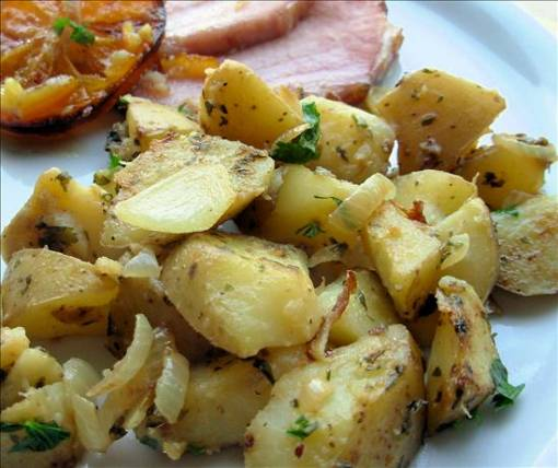 Pan Fried Potatoes W/Scallions or Grits